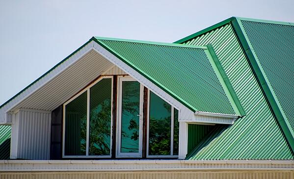 cool metal roofing has several benefits