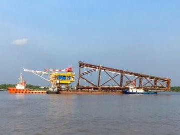 Shipping steel construction overseas